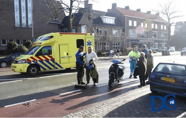 Automobilist Botst Tegen Scooterrijder Dordtcentraal