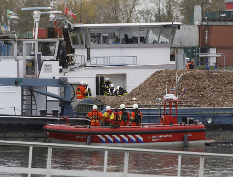 Brand in machinekamer schip op Hollands Diep