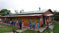 Dordtenaren bouwen huizen in Costa Rica (1)