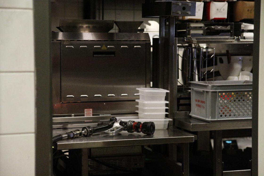 Video brand in keuken mcdonald s dordtcentraal gratis huis aan huis krant voor dordrecht - Tape geleid keuken ...