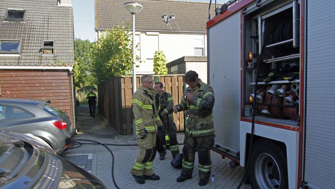 Zolder uitgebrand aan het johanna naber erf dordtcentraal gratis huis aan huis krant voor - Zolder stelt fotos aan ...