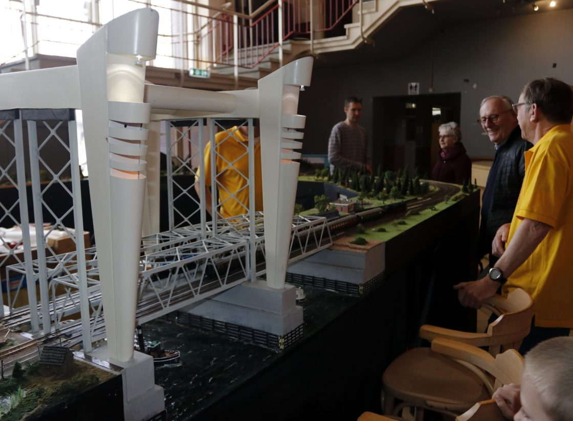 Lift In Huis : Video: modelbouw zit in de lift dordtcentraal gratis huis aan