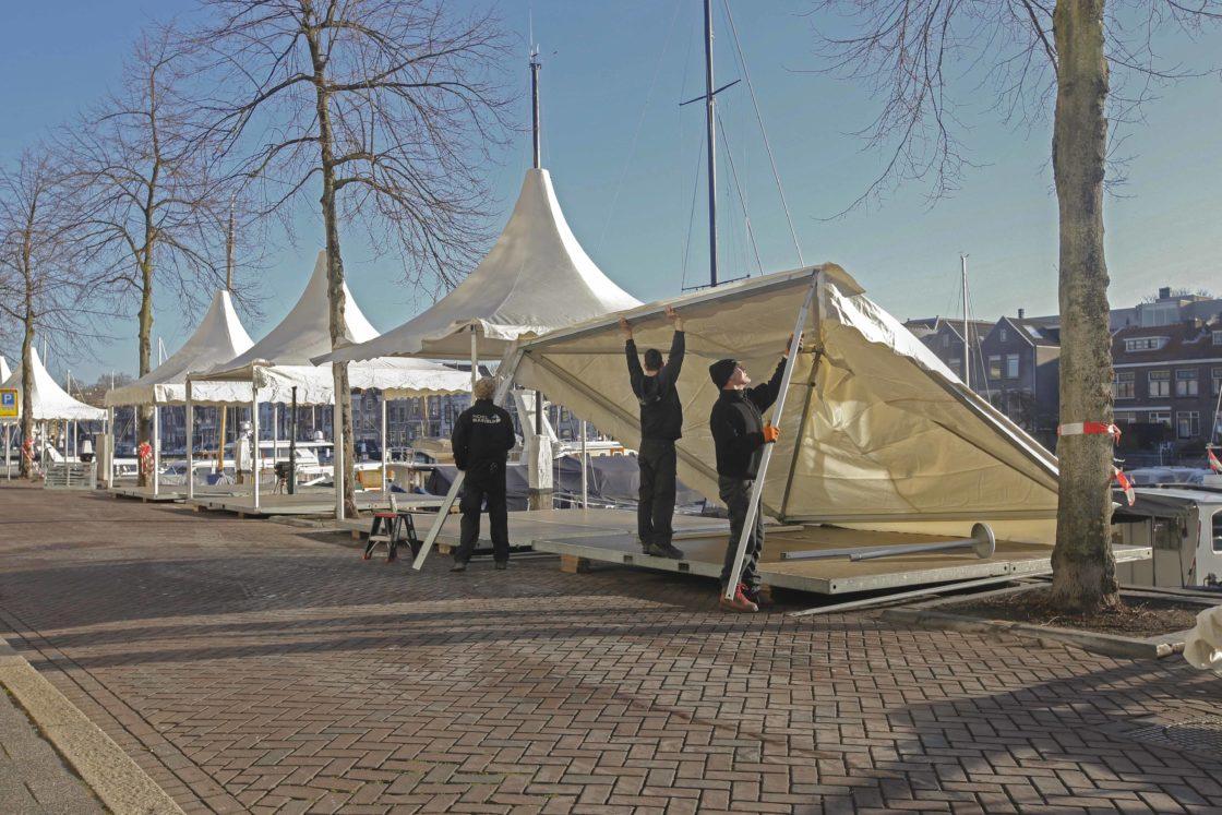 Opbouwen Van Grootste Kerstmarkt Van Nederland In Volle Gang Dor3