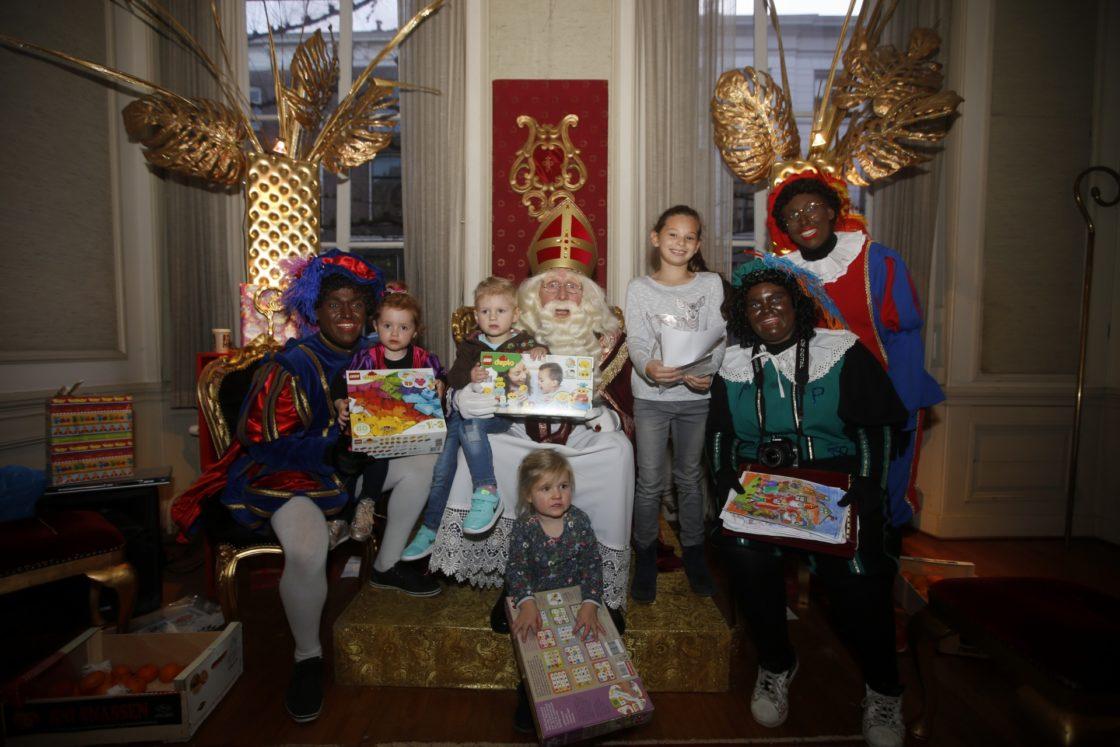 Sinterklaas Kleurplaten Actie.Sint Deelt Jumbo Prijzen Uit Dordtcentraal Gratis Huis Aan Huis